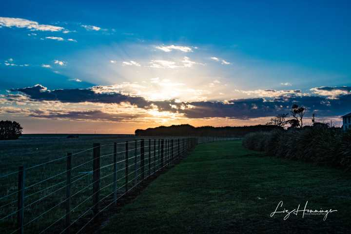 Stanley Sunset over the nut and Deloraine April 2019-9413